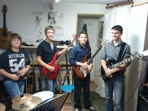 Les Friday Night Light Rock (Thomas, Maxime, Valentin J, et Yves-alexis)