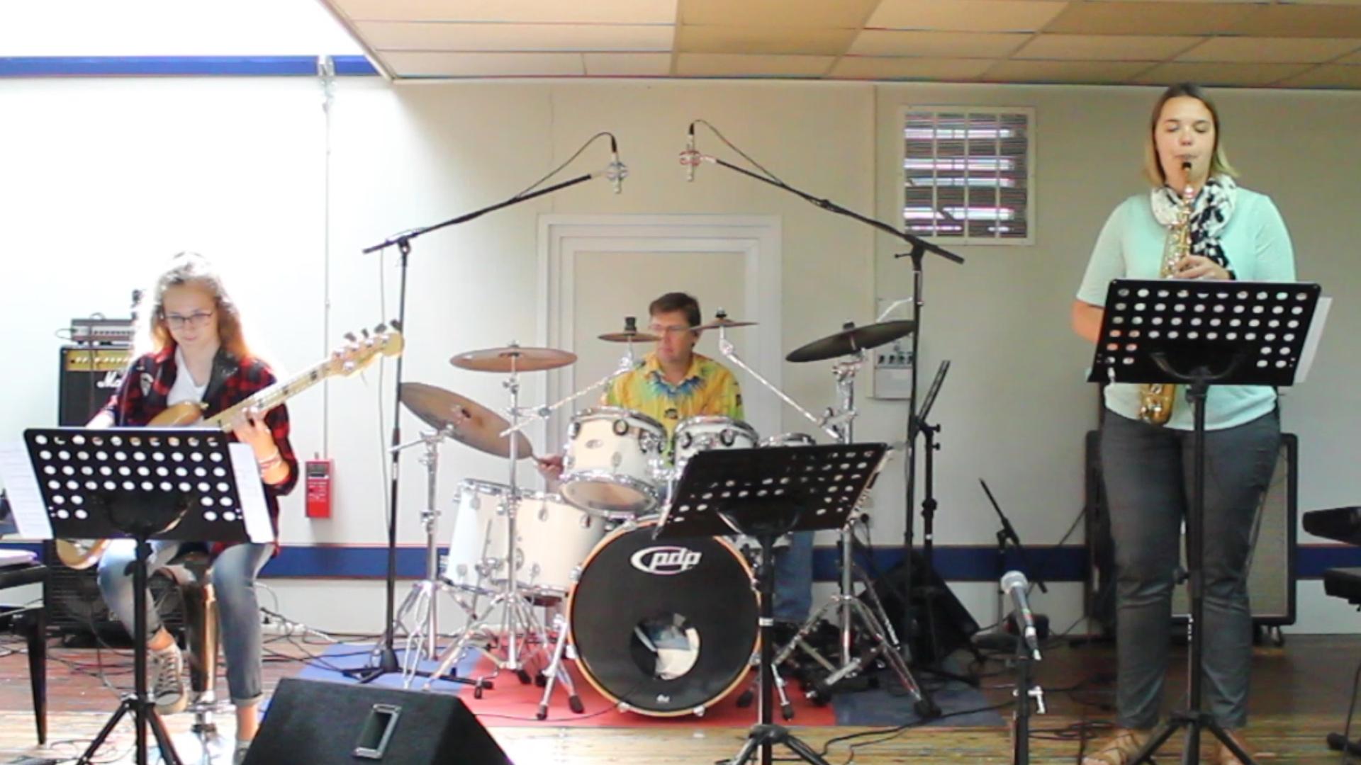 Chiara reprend Kyle EASTWOOD en trio